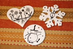 Easy Dollar Store Craft: Sharpie Decorated Christmas Ornaments