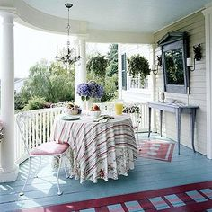 ❤ Color underfoot- A pretty hue puts spring in your step. Two painted-on rugs add pizzazz.