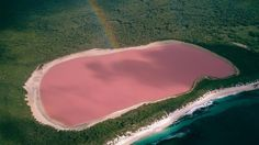 Lake Hillier in Middle Island
