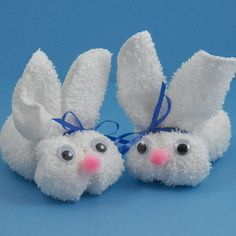 Craft project: What could be more fun than making a cute little bunny for Easter? Start with a washcloth and in no time you'll have a little sweetie to add to an Easter basket, give as a gift oruse as a decoration that doubles as an Easter egg holder! Bunny Crafts, Easter Crafts, Crafts For Kids, Rabbit Crafts, Easter Projects, Craft Projects, Easter Ideas, Spring Crafts, Holiday Crafts