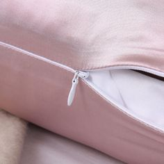 zippered mulberry silk pillowcases from OOSILK, the natural anti-aging product, super soft, thick and durable. Silk Bed Sheets, Silk Bedding, Satin Pillowcase, Sewing Accessories, Mulberry Silk, Beauty Skin, Pillow Cases, Monogram, Zipper