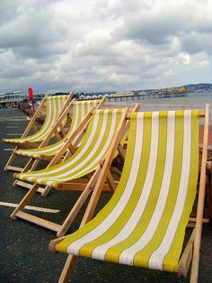Chilling in a deck chair.preferably with a glass of wine in hand British Holidays, Balcony Table And Chairs, Seaside Holidays, British Seaside, Beach Boutique, Teak Furniture, Furniture Design, Italian Summer, Special Images