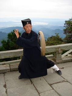 Photos of Wudang Grandmaster Liu www.wudang-kungfu.net