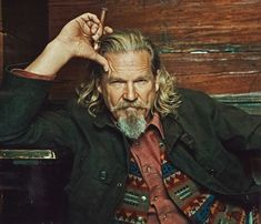 Jeff Bridges is listed (or ranked) 47 on the list Celebrities Who Smoke Cigars Foto Glamour, Beautiful Men, Beautiful People, Foto Portrait, Jeff Bridges, Celebrity List, Man Up, Moustaches, Looks Cool