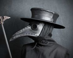 plague_doctor_hat_by_tombanwell-d6bzaad.jpg (1803×1440)