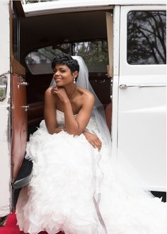 Tips For Planning The Perfect Wedding Day – Cool Bride Dress Wedding Dress Pictures, Wedding Images, Wedding Pics, Wedding Shoot, Wedding Styles, Wedding Dresses, Perfect Wedding, Dream Wedding, Wedding Day