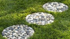 Steine wie Kreisen ausgeformt