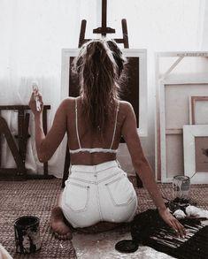 New artistic fashion photography . Disney Instagram, Instagram Girls, Photo Instagram, Instagram Life, Bild Girls, Look Boho Chic, Artistic Fashion Photography, Artist Aesthetic, Jolie Photo