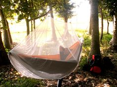 "With 81-holes/cm2 (525 holes/square inch) netting, equiped with gate zipper (security velcro), ropes and top hook for perfect setting, the Ticket To The Moon Mosquito Net 360° is the only 100% protection against mosquito able to bit through the nylon. Designed for a blissful mosquito-free sleep, it fits in any hammock that does not use a spreader bar. (100% Polyester, machine Washable 30°) Size : 270cm x 130cm / 9' x 4'3"" inch Weight : 450 gr - 15.9 oz Available in White, Black and Green"