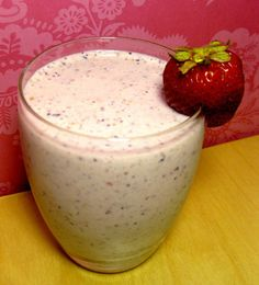 Almond Berry Banana Yogurt Smoothie  • Three medium strawberries • 1/2 medium banana • 1/2 cup blueberries • Three ounces nonfat plain Greek yogurt • 1/2 cup skim milk • 10 raw almonds