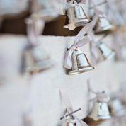 Wedding bells confetti
