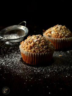 Muffins allo yogurt e caffè con granola di nocciole