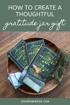 How to make a simple and thoughtful diy gratitude jar gift for family and friends. // Creative Gift Ideas from The GRATITUDE JAR #gratitude #giftideas