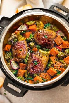 Instant Pot Harvest Chicken with Vegetables - Low Carb - Life Made Sweeter 8 Mouth Watering Keto Friendly Crockpot Ideas Pressure Cooker Chicken, Instant Pot Pressure Cooker, Pressure Cooker Recipes, Pressure Cooking, Instant Cooker, Chicken Brussel Sprouts, Brussels Sprouts, Crockpot Recipes, Chicken Recipes