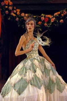 """Robe """"d'Arlequin d'eau argenté"""" automne-hiver 1997/98 Christian Dior par John Galliano, Dior Héritage."""