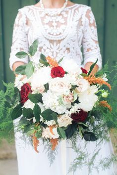 Lush Bouquet with pops of Cranberry & Peach| Cranberry & Peach Wedding Inspiration at The Glasgow Farm