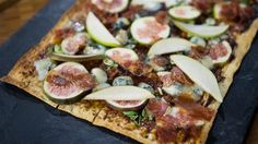 Make this party-pleasing fig-pear flatbread for your next get together