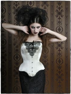 Overbust corset  Astarte by VCoutureBoutique on Etsy, €289.00  I want this SO bad!