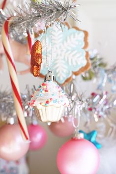 Sweets on the tree