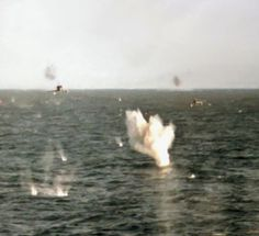 Britain's bravest photographer: Incredible picture shows moment two Argentine fighter jets swooped down on HMS Coventry during Falklands War Military Photos, Military History, Military Jets, Military Aircraft, Coventry, Marine Commandos, Falklands War, Navy Aircraft, Royal Navy