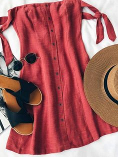 Adorable red Summer dress & ladies red t-shirt linen dress outfit ideas & casual day and date night outfits for 30 to 50 something women Mode Outfits, Dress Outfits, Casual Outfits, Fashion Outfits, Womens Fashion, Fashion Ideas, Ootd Fashion, Night Outfits, Ladies Fashion