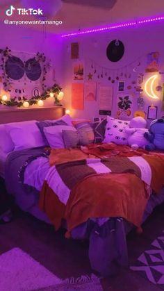 Grunge Bedroom, Neon Bedroom, Cute Bedroom Decor, Room Ideas Bedroom, Small Room Bedroom, Diy Bedroom, Bedroom Inspo, Small Rooms, Cute Room Ideas