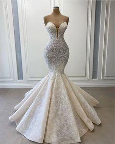 "Flash and Pizzazz on Instagram: ""Gorgeous gorgeous @lumnijekrasniqiofficial dress 😍 #lumnijekrasniqi • • • • • • • • • • • • #Couturefashion #coutureaddict #couturedress…"" Fancy Wedding Dresses, Prom Girl Dresses, Princess Wedding Dresses, Mermaid Dresses, Bridal Dresses, Couture Wedding Gowns, Pretty Dresses, Beautiful Dresses, Dream Dress"