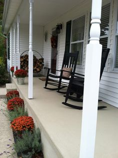 """I LOVE this porch! / Pine Tree Home: Resurfacing Concrete: Porch Makeover using """"Restore"""" Painted Concrete Porch, Concrete Front Porch, Painting Concrete, Concrete Color, Front Deck, Front Porch Makeover, Porch Steps, Front Steps, Farmhouse Front Porches"""