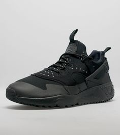 Nike Air Huarache Utility - find out more on our site. Find the freshest in trainers and clothing online now.