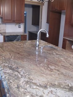 Deciding on Your Kitchen Countertop Material - Kitchen Remodel Ideas Cabinets And Countertops, Kitchen Countertop Materials, Granite Kitchen, Stainless Steel Kitchen, Concrete Countertops, Kitchen Cabinets, Kitchen Decor, Kitchen Design, Kitchen Ideas