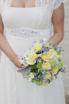 What i DO NOT. want my wedding flowers to look like! Yellow Wedding Flowers, Rose Wedding, Chic Wedding, Wedding Bells, Wedding Styles, Dream Wedding, Wedding Day, Wedding Stuff, Wedding Dress