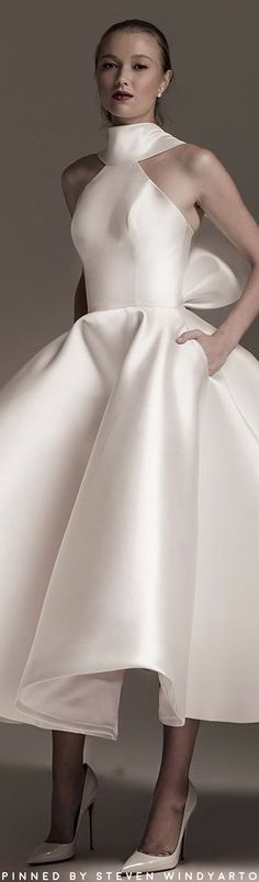 We have Mark Bumgarner's Fall 2018 bridal collection to Mark Bumgarner, Evening Gowns Couture, Bridal Gowns, Wedding Gowns, Bridal Elegance, Elegant Bride, Queen, Beautiful Gowns, Playing Dress Up