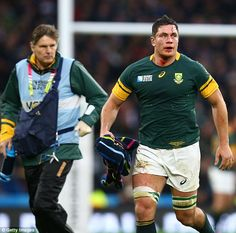 South Africa's Francois Louw (right) is taken off to the blood bin during Saturday's match at Twickenham