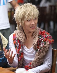 "Lee Hong Ki~♥ He was adorable as blonde-haired Jeremy in ""You're Beautiful""! It really suits him. ;)"