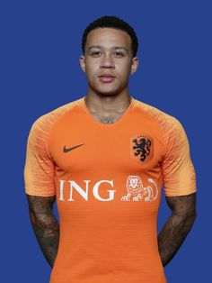 MEMPHIS DEPAY Memphis Depay, Neymar Jr, Champions League, Football Players, Premier League, Fifa, Under Armour, Soccer Goals, Lyon