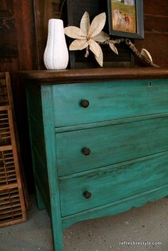 Wow makeover Emerald green dresser makeover - painted furniture idea that you can do yourself