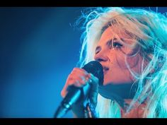 ▶ Alison Mosshart - The Passenger (Iggy pop cover) - YouTube
