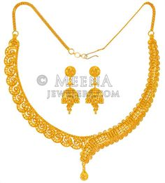 22 Karat Gold Necklace Set - - Gold Necklace and Earring set is designed in asymmetrical style with filigree work and machine c Gold Bridal Earrings, Bridal Necklace, Necklace Set, Bridal Jewelry, Gold Necklace, Real Gold Jewelry, Gold Jewelry Simple, Gold Jewellery, Gold Bangles