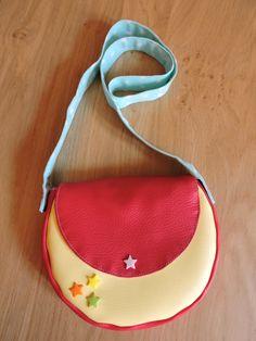 Petit sac bandoulière en simili cuir http://elooocreations.alittlemarket.com