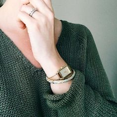 Loving olive greens  Zeytin yeşili kalp ben #olivegreen #ootd #hands #bracelets #accessories #today #me #diamonds #style #instastyle #styled #may #jumper #fashion #self