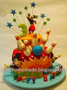 Mickey Mouse and bowling cake