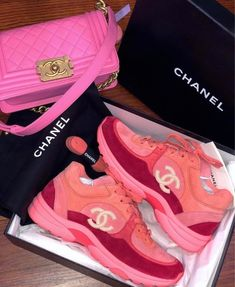 Find images and videos about shoes and chanel on We Heart It - the app to get lost in what you love. Dior Sneakers, Cute Sneakers, Sneakers Fashion, Fashion Shoes, Fashion Fashion, Runway Fashion, Fashion Trends, Moda Outfits, Fresh Shoes