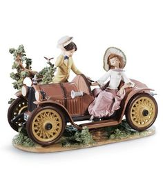 LLADRO - YOUNG COUPLE WITH CAR
