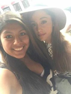 Ariana with a fan during her break up with jai brooks. She looks so upset :/