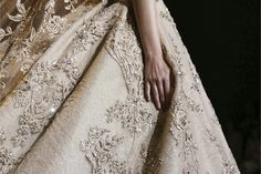 vestido dourado de casamento