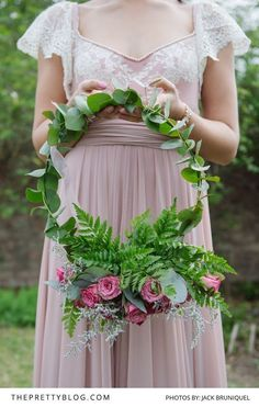 A fantastic alternative to the traditional bouquet| Real weddings | Photograph by Jacki Bruniquel