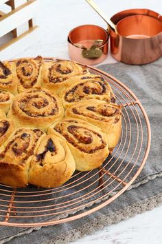 Cheesymite Scrolls (the BEST Cheese & Vegemite Scrolls) - Bake Play Smile Vegemite Scrolls, Vegemite Recipes, Lunch Box Recipes, Lunch Ideas, Good Food, Yummy Food, Awesome Food, Best Cheese, Pizza
