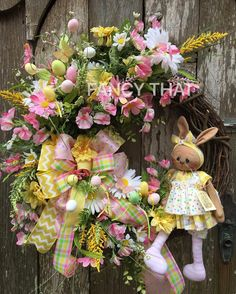 Sweet #bunny #ragdoll #wreath #etsy #fancythatwreathsandmore #homedecor #easter #spring Easter Wreaths, Spring Wreaths, Diy Easter Decorations, Arts And Crafts, Diy Crafts, How To Make Wreaths, Easter Bunny, Making Ideas, Floral Wreath