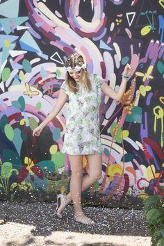 Vestido com estampa exlcusiva de Borboletas! Foto: Styling Tip  Look do dia blogueiras brasileiras, looks femininos estilosos, look lindo, estampas, cor, look colorido, editorial de moda, fotografia de moda, vestido, borboletas, outfit of the day