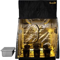 The Mini Mortgage Lifter is a hydroponics grow tent for professional users looking for a turnkey, professional hydroponics system. This grow tent retails for $1995 at Dealzer.com.